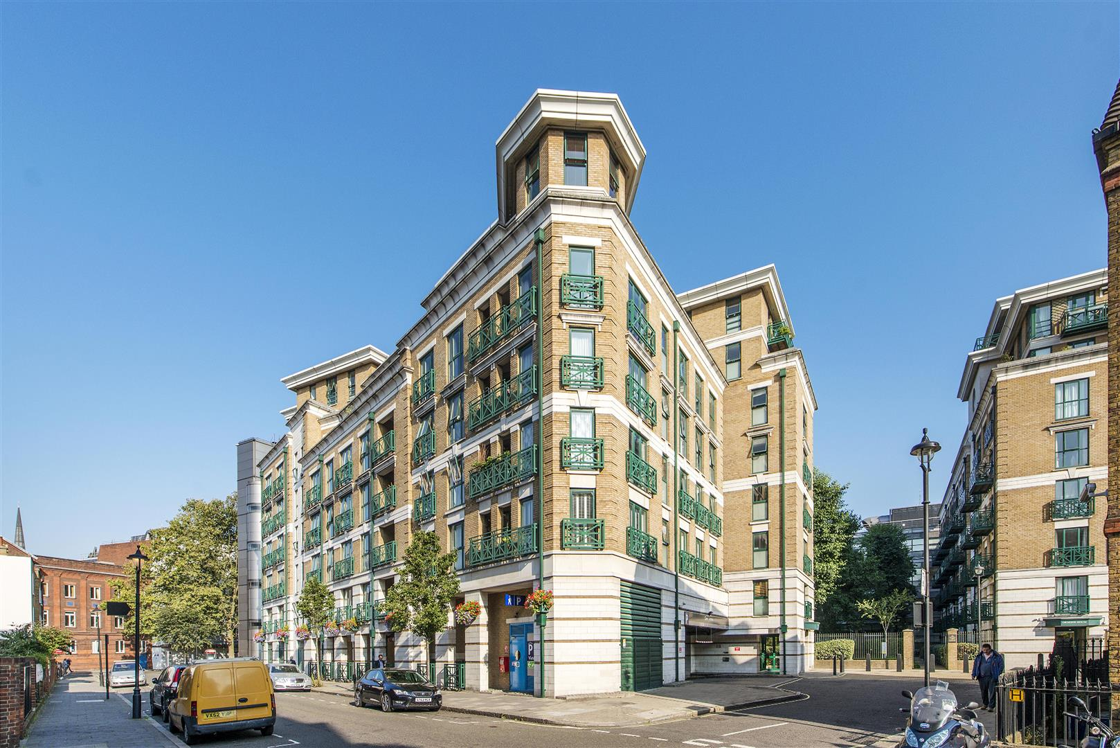 2 Bedrooms Flat for sale in Octavia House, Medway Street, Westminster, London SW1P